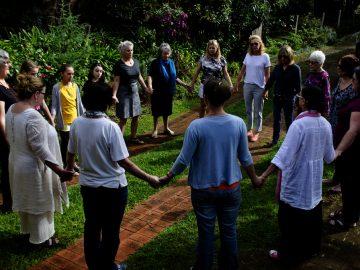 women circle illinois